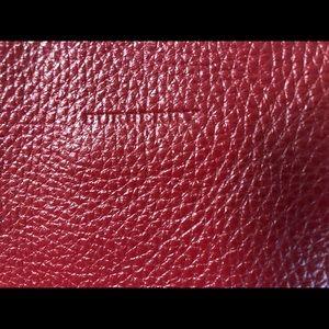 Beautiful leather, Burberry bag